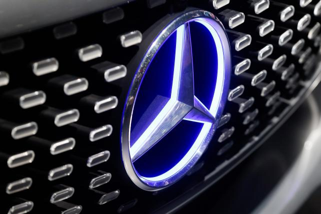 Telco data for ad targeting? @zeotap helps @MercedesBenz target w/ carriers' data https://t.co/f00FRJmG5t https://t.co/omOWpHZAXz