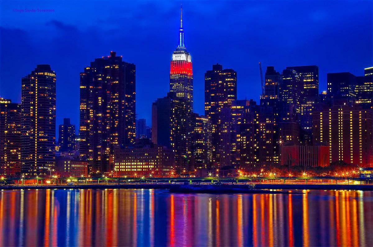 The @EmpireStateBldg shines red, white & blue this MemorialDayWeekend. NYC NewYork MemorialDay