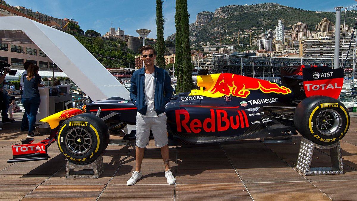 Great to see @Louis_Tomlinson onboard the @RedBull Energy Station ahead of qualifying! #MonacoGP #F1 https://t.co/wKOFeN9tTN
