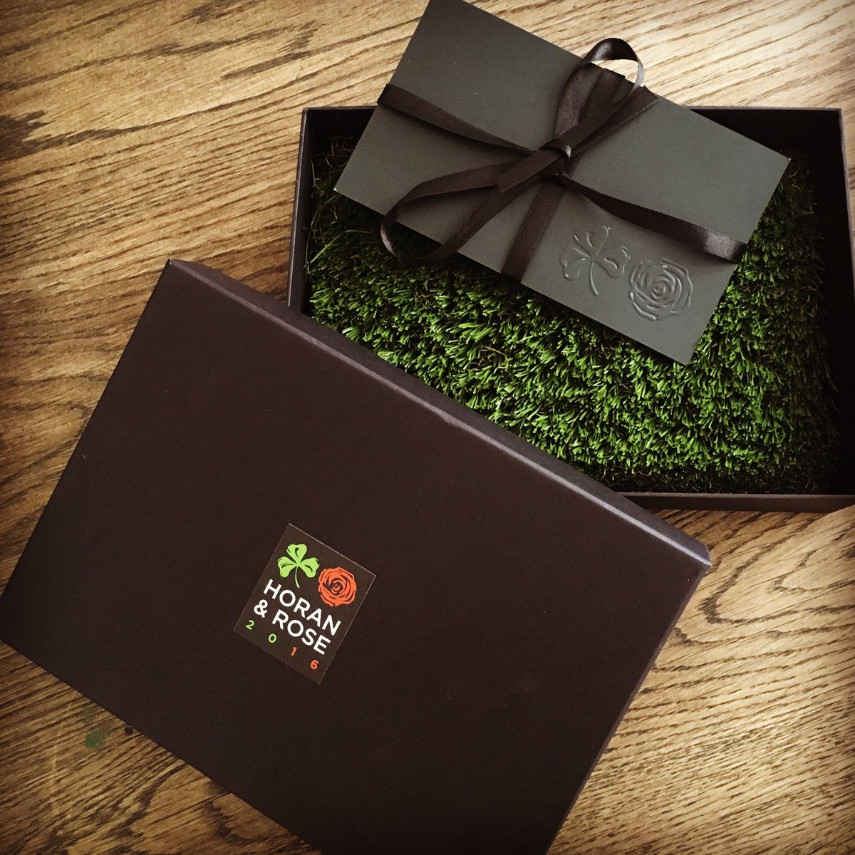 Love the grass, nice touch. Looking forward to Horan/Rose tomorrow.. your idea @NiallOfficial or @JustinRose99 ?! https://t.co/Cn3rOR39Qs