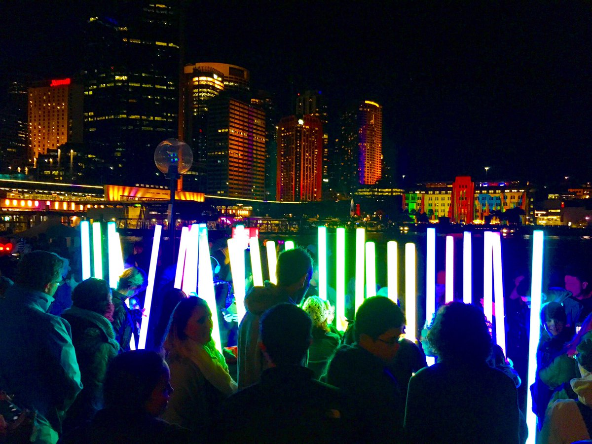 The city is glowing... #VividSydney