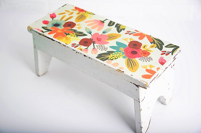This decoupaged floral step-stool will be the perfect springtime addition to your home. https://t.co/iXvi0e3tPX https://t.co/gjTePtdY7a