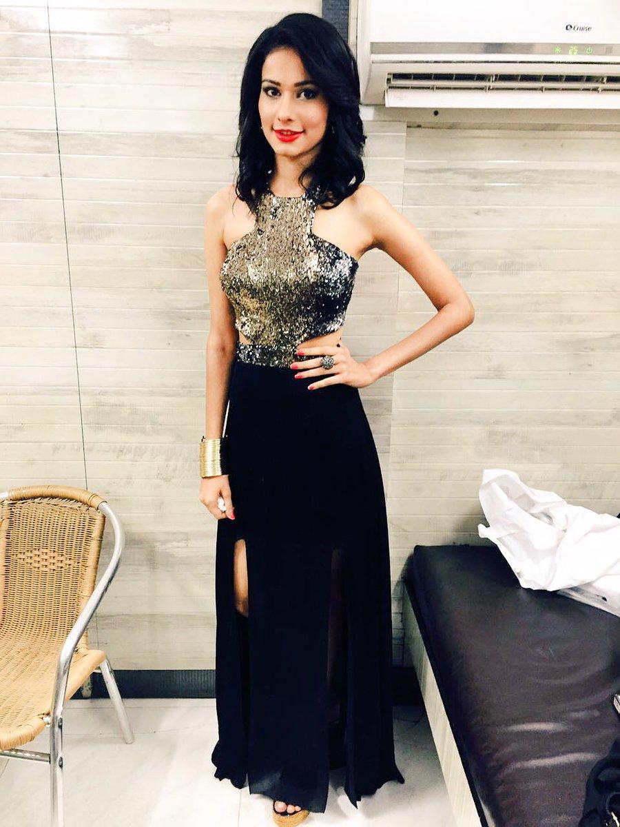 Aneri Vajani,Host,dress,Star Parivaar Awards 2016,image,picture,pic,latest