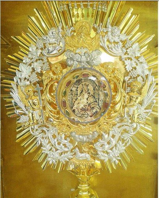 Feliz Día Madre Virgen de Coromoto  Bendice a Tu Tierra, a tus Hijos ♥  https://t.co/mgmJNoWEje