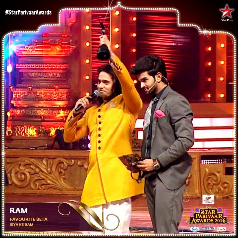 Ashish Sharma wins favourite Beta Award for his role as Ram in Siya Ke Ram image-pic