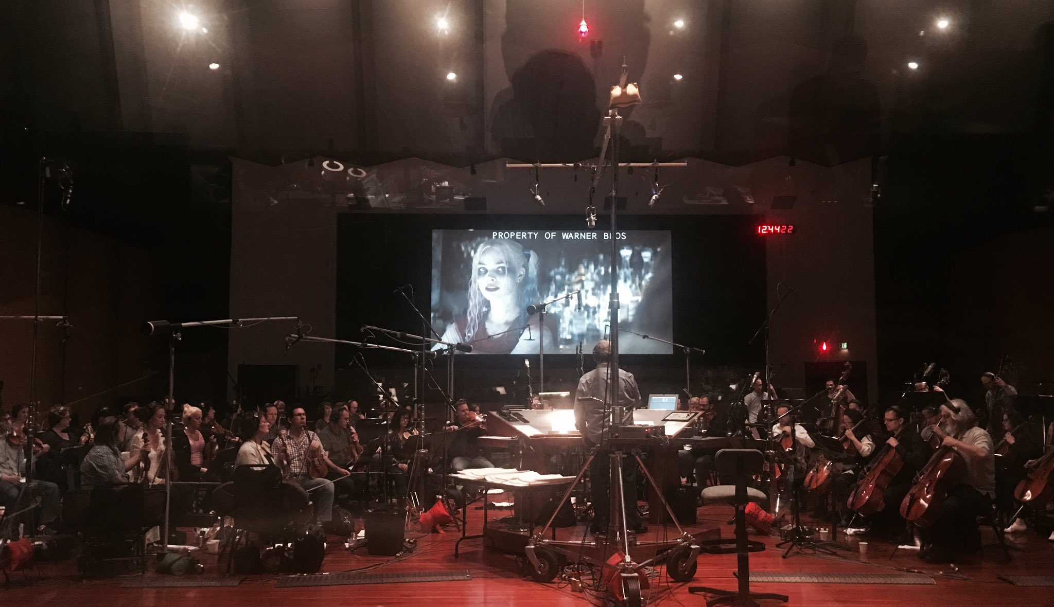 Panasonic Slow Juicer Harvey Norman : David Ayer Shares A Behind The Scenes Photo Of SUICIDE SQUAD Scoring Session