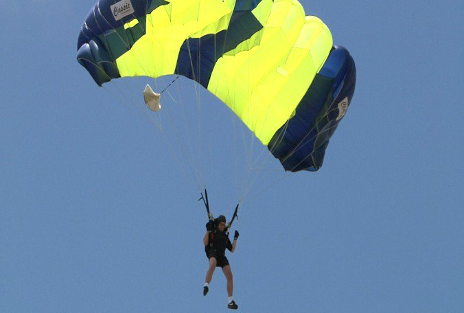Skydivers in Lake Wales for U.S. Parachuting Championships