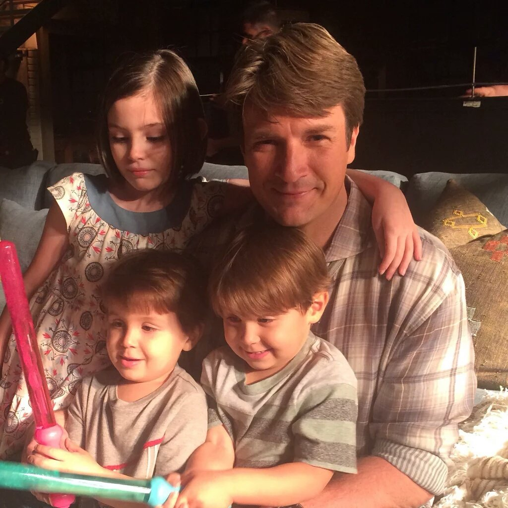 @ActressRainey  I love this pic of you with your TV daddy and brothers #LilyCastle https://t.co/9WBzq9jPNK