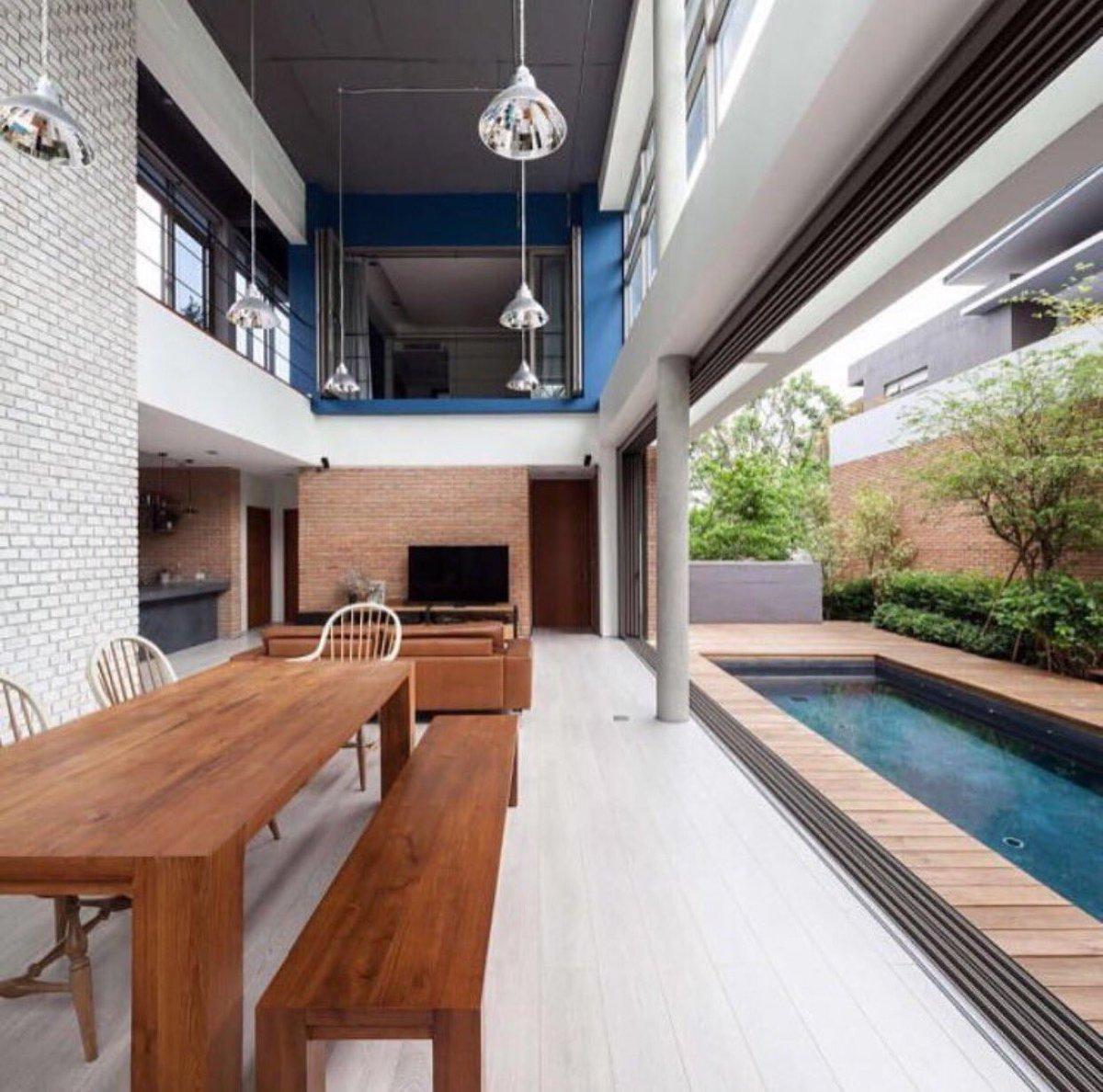 건축가로서 여러분께 아름다운 건축물을 소개합니다. 이 거실은 내부이면서 외부가 될수 있는 공간이 되었네요. https://t.co/zl8aeXMVbf