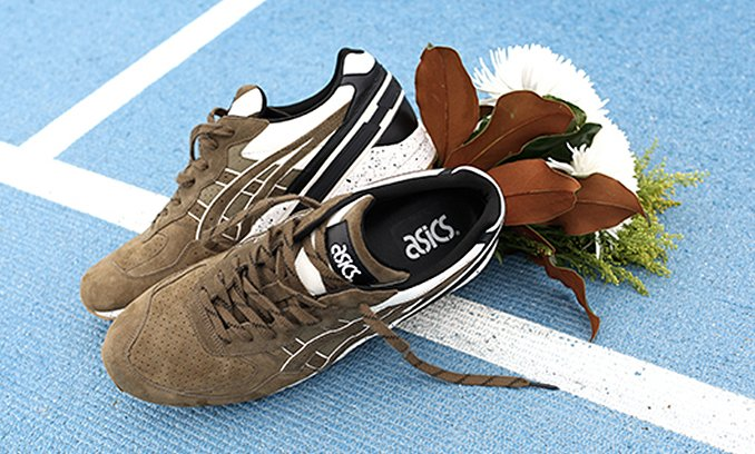 7fb4930d000a monkey time amp asics come together on the gel sight olive crown