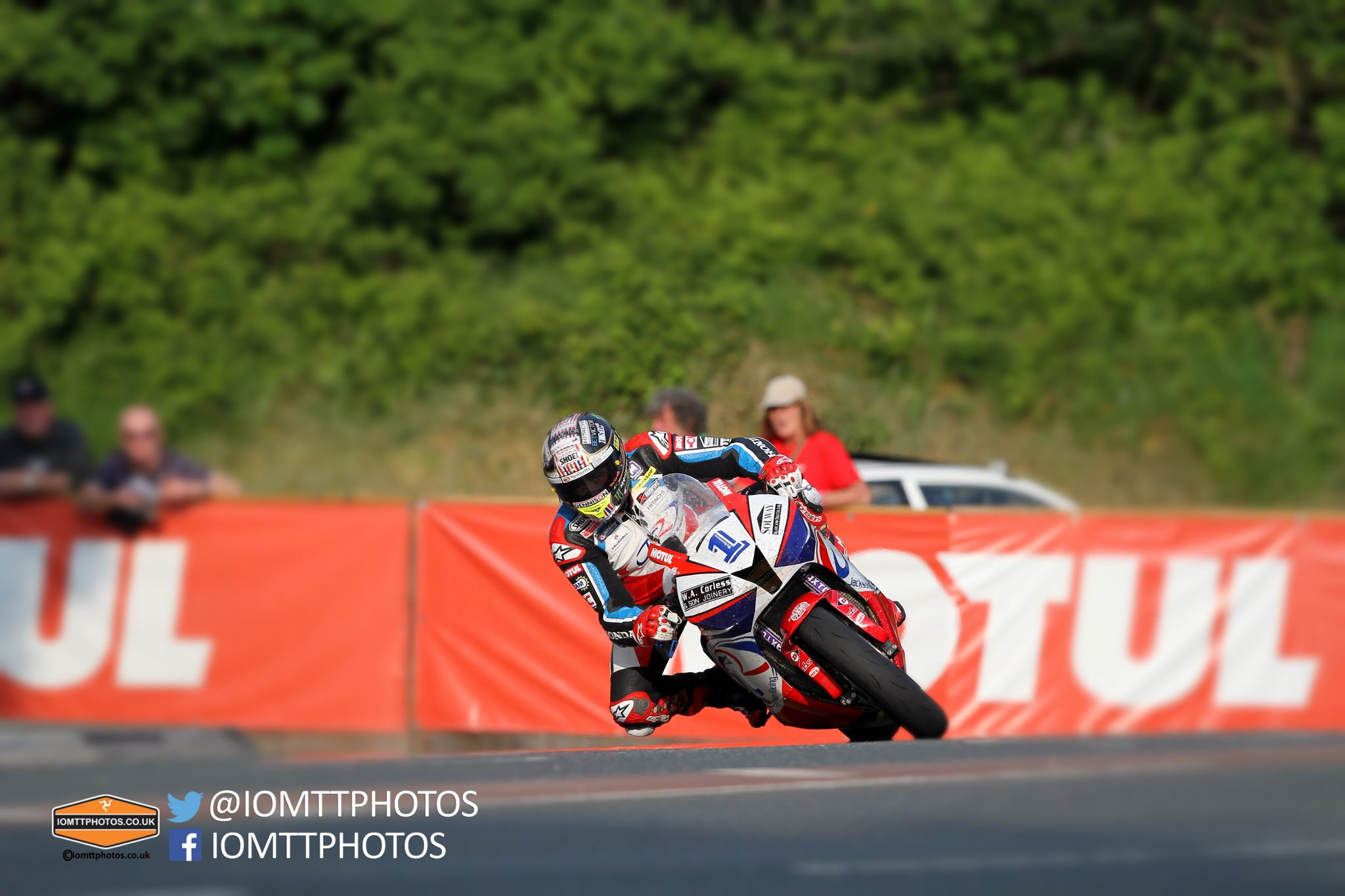 [Road Racing] TT 2016 - Page 4 Cjnbt37VEAA8thM