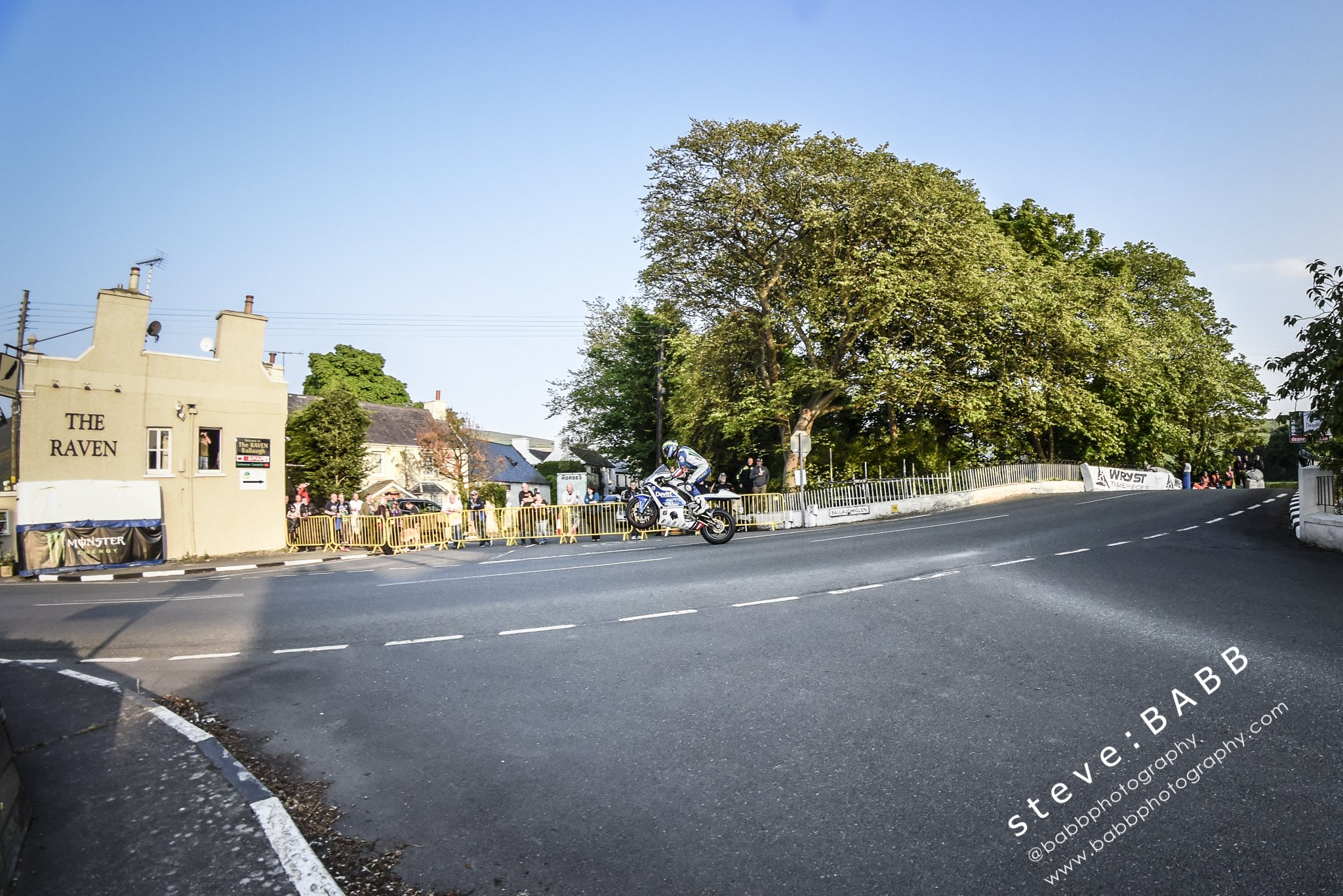 [Road Racing] TT 2016 - Page 4 CjnkCuRWEAEJlRt