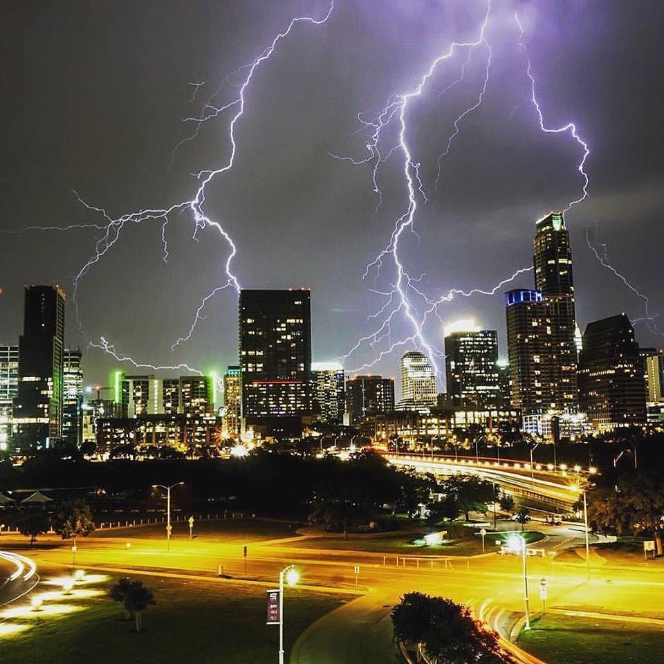 Austin lightning in a bottle from Mike Holp of Holp Photography. #ATX #Austin #AustinTX #o… https://t.co/4svsT9mBB4 https://t.co/28eVUsx2rC