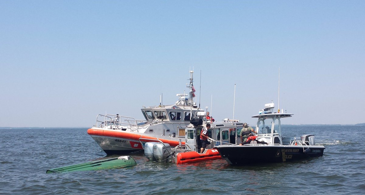 No 1 hurt in boat capsizing Sat. at mouth of Patapsco. Mid-point of weekend. Stay safe&wear a life jacket. wearit