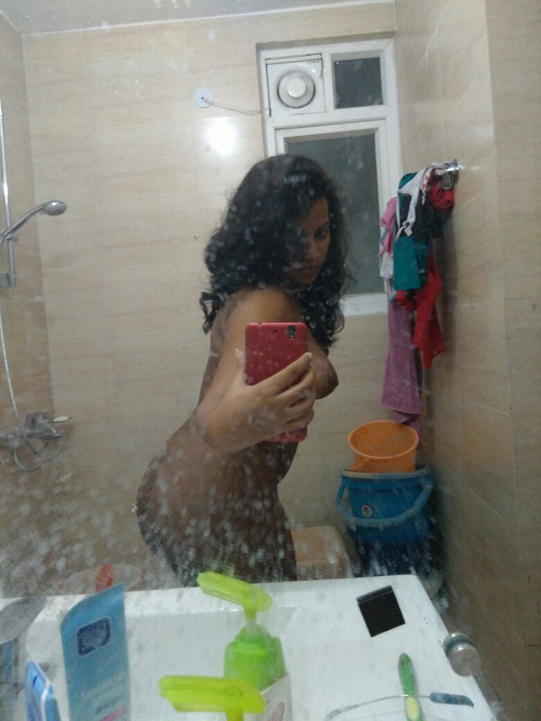 Nude Selfie 5675