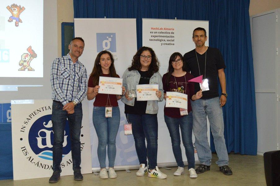 Por último, las ganadoras de la categoría de Scratch han sido Steeline. ¡Gran trabajo, chicas! #jamtodayAL https://t.co/E7vodCL8zK