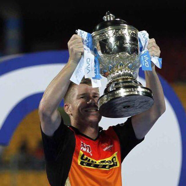 Best pic ever. Congrats @SunRisers. @IPL CHAMPIONS. @davidwarner31 well done https://t.co/ry8Fednh5T