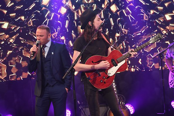 Rooney sings at charity event, Danny Drinkwater and Pele regret every decision that led them to being in the room. https://t.co/FHgje5IcTW