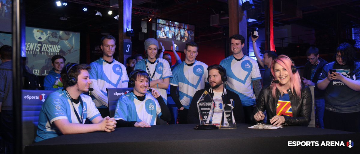Cloud9 with the winner's trophy
