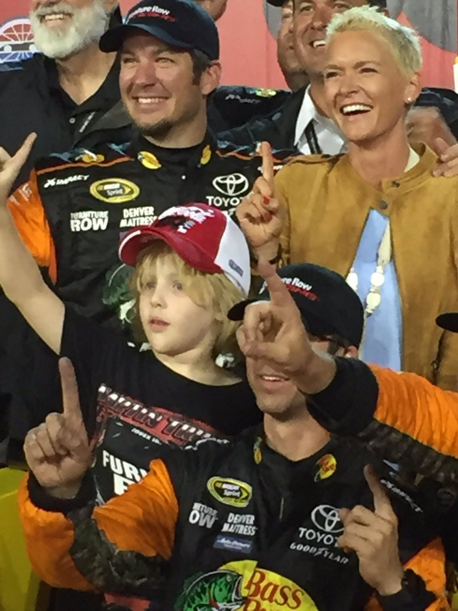 Being cancer free, at our home track, and having my nephew here to celebrate with us. Priceless. ❤️❤️❤️#winning https://t.co/F4brUxKwsa