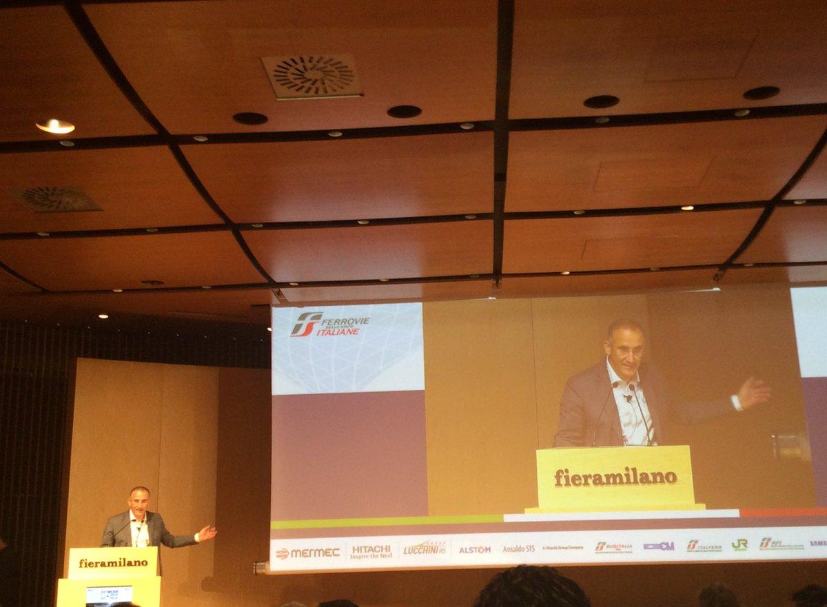 #WCRR2016 Renato Mazzoncini Ceo FS dobbiamo fare sistema per dare spazio #innovation https://t.co/yH8DqLNJJI