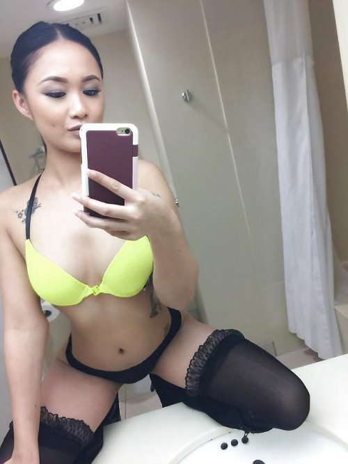 Hot chines girl big tits nude