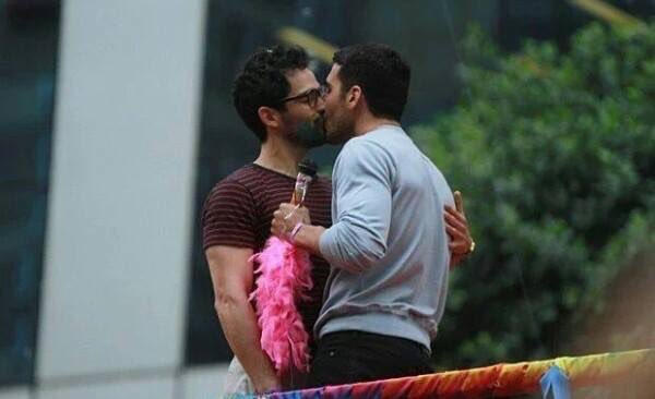 sense8 cast dating each other