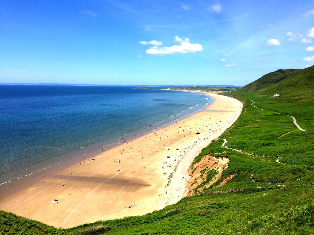 Sometimes I wonder why I bother with this travelling lark when this is on my doorstep #Rhossili #Gower #visitwales https://t.co/4cLmDeKN9X