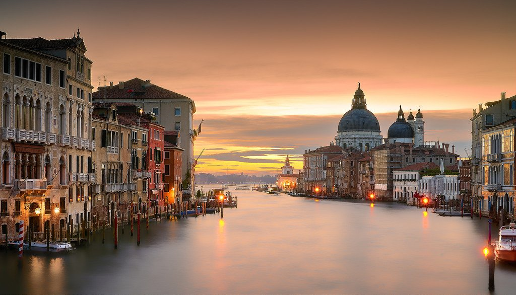 10 Top Tourist Attractions in #Italy -  http:// go.shr.lc/1qVtYGA  &nbsp;    #Travel #TravelnPleasure<br>http://pic.twitter.com/u3SF6X3kEO