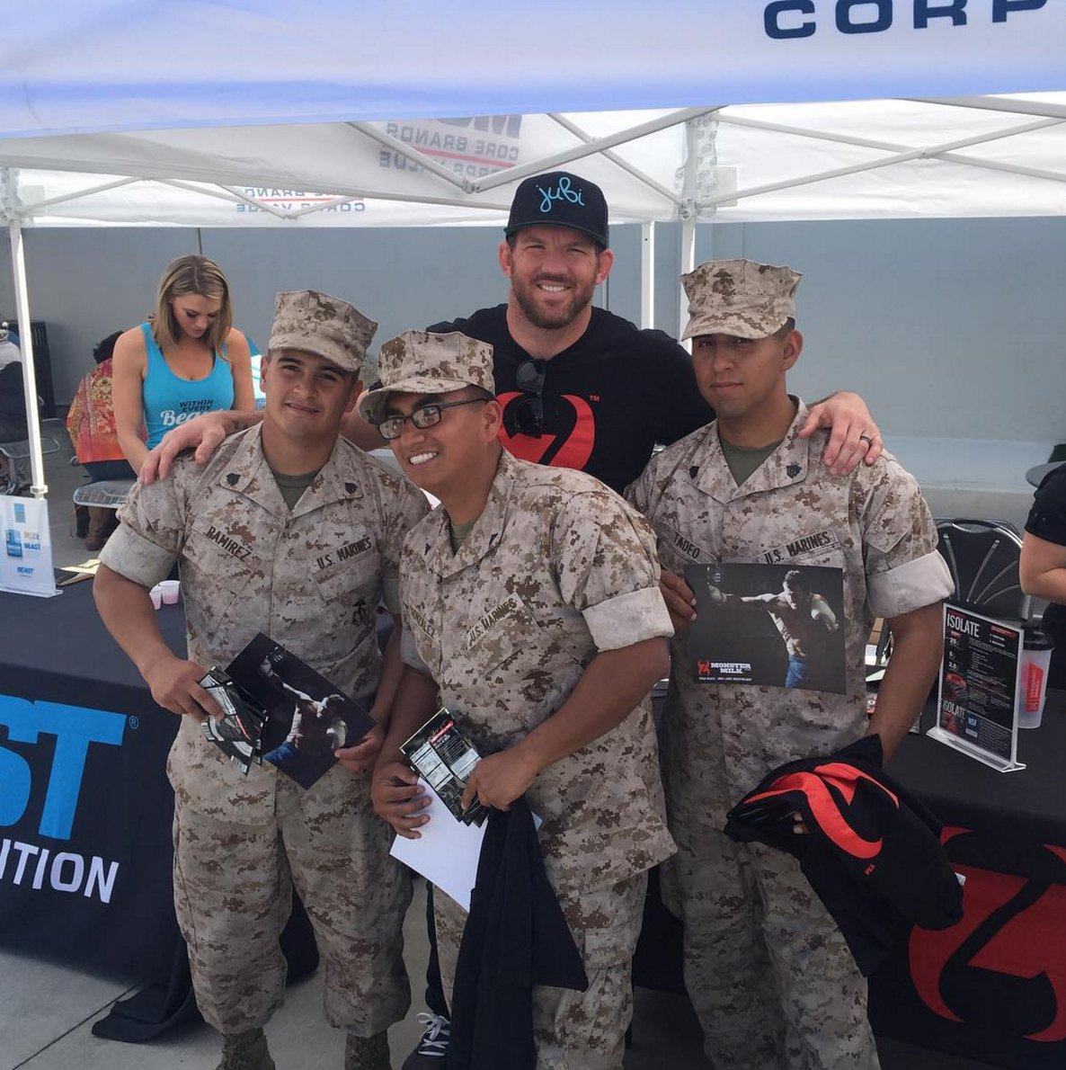 Great article on how @ryanbader honors our military: bit.ly/1sHftr3 @ufc @AmericanEthanol @BrianStann