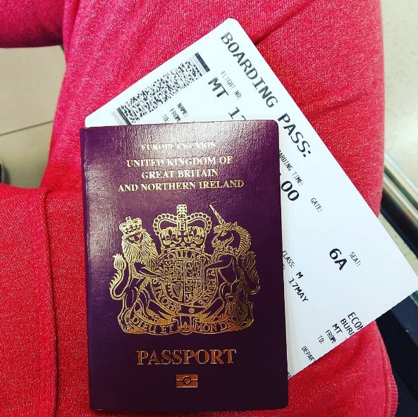 There's a good reason you shouldn't post photos of your boarding pass online before a flight https://t.co/hsMSBgw0yz https://t.co/aZU0076BbQ