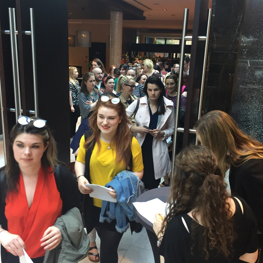 Bursting at the seams to get in to see @oneilllo and @thelindywest at our event tonight #no7 #readyformore https://t.co/MVlMB1FQUA