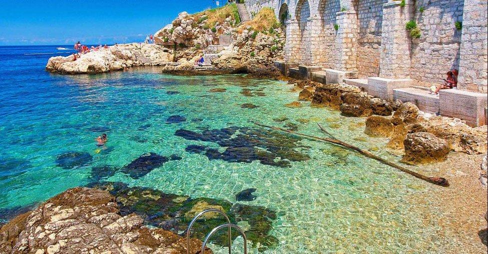 5 exotic summer vacations that will make Ibiza seem low-key: https://t.co/gx5D75B7Mo https://t.co/CbFUaNbGVL