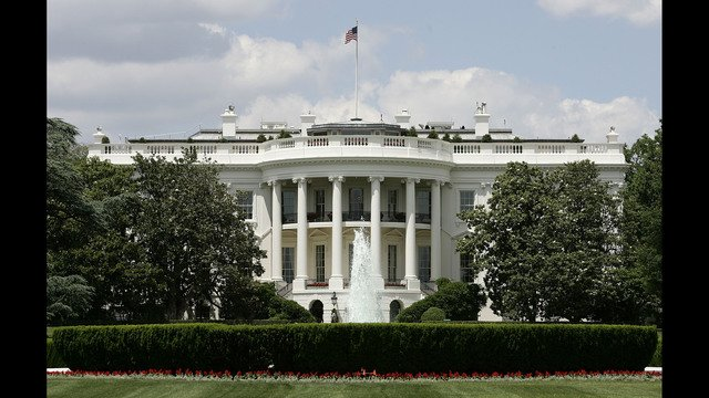 White House lockdown lifted after object thrown on lawn