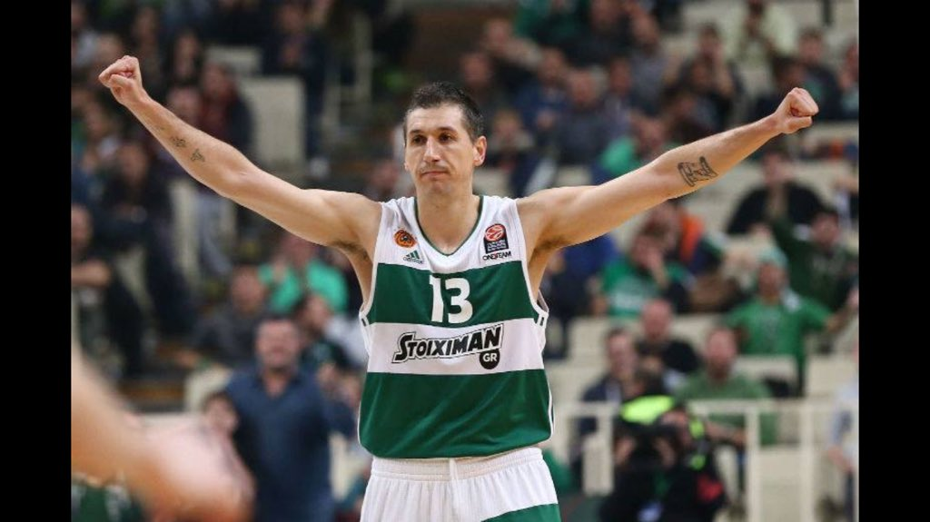 His final game ended in heartbreak. Still 3x .@Euroleague champ, 2x Final Four MVP, 6x Best Defender #diamantidis https://t.co/owU2bhMRmv