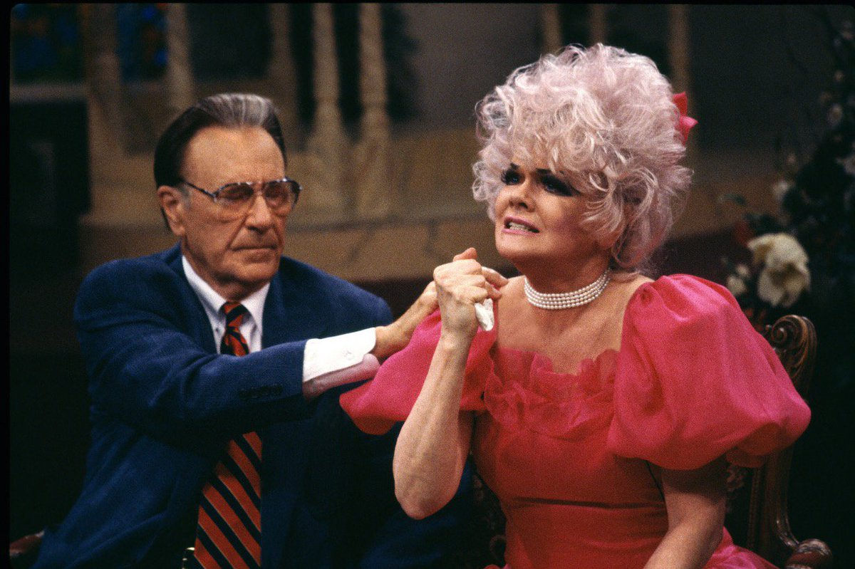 Jan Crouch, known around the world as Momma Jan, has gone home. https://t.co/WHjsa8KL9f https://t.co/uFqP89rSGM