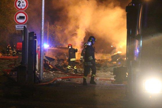 Incendio camper a Roma: le tre sorelle arse vive