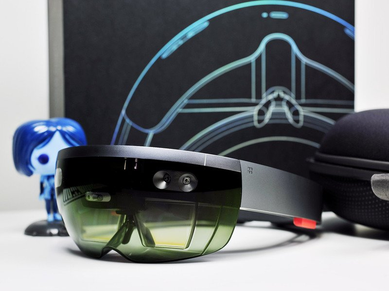 Microsoft holding HoloLens-focused WinHec event this fall