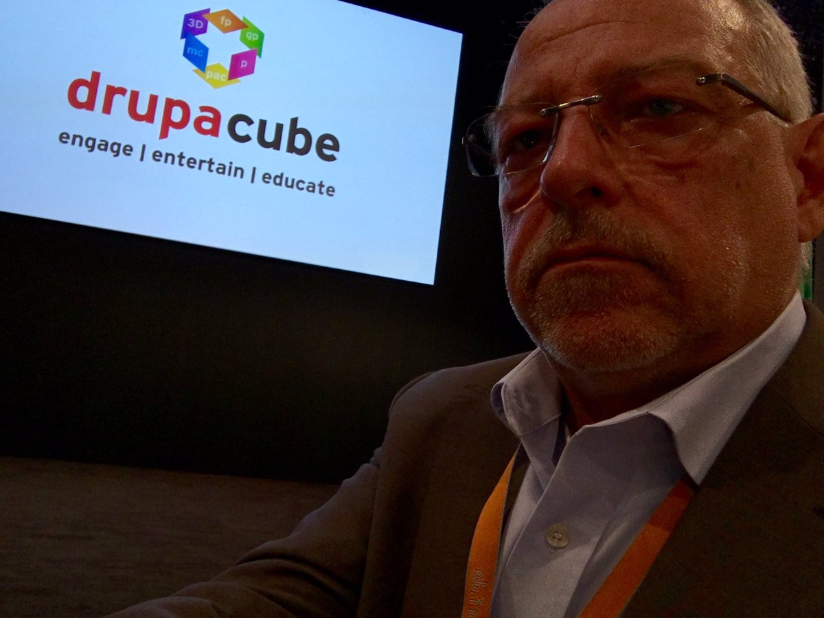 Ready for #drupacube. Now:  Management lessons from winning companies/Chr. Stehmann @PitneyBowes #client #drupa2016 https://t.co/raXkVDBL5W