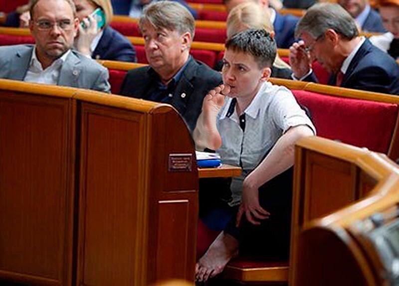 Из коры себе подругу выстругал: Сорос метит в политики неотесанную Савченко