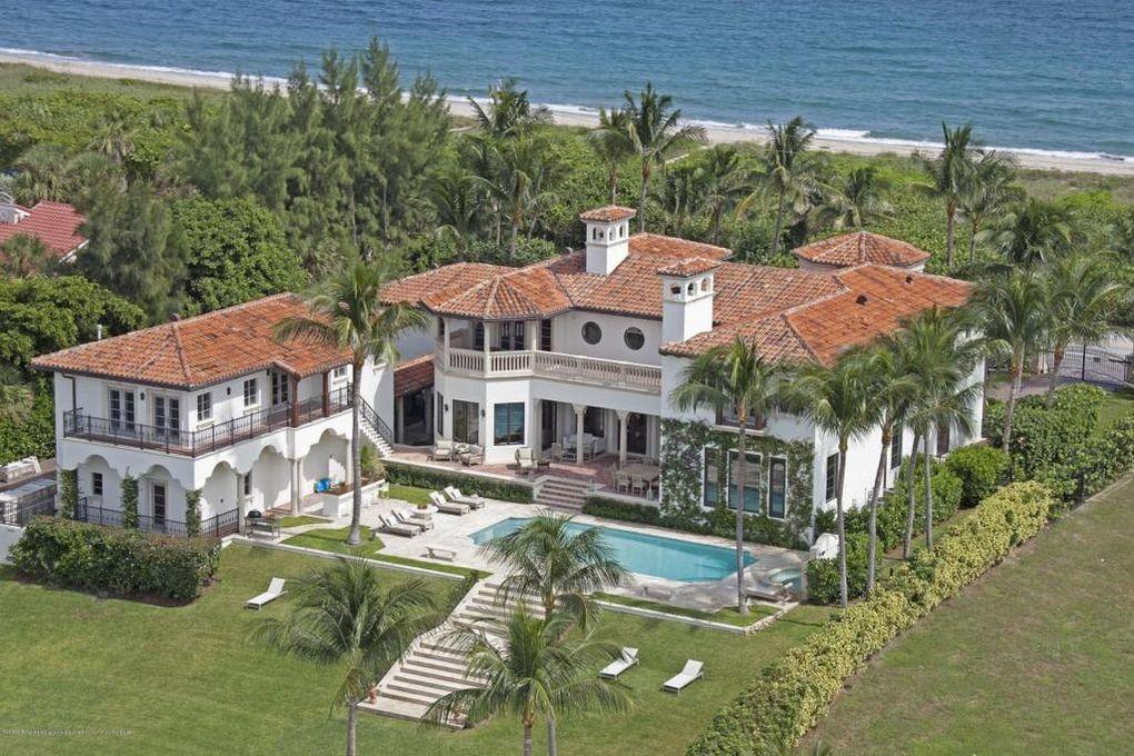 PHOTOS: Legendary musician selling Florida mansion