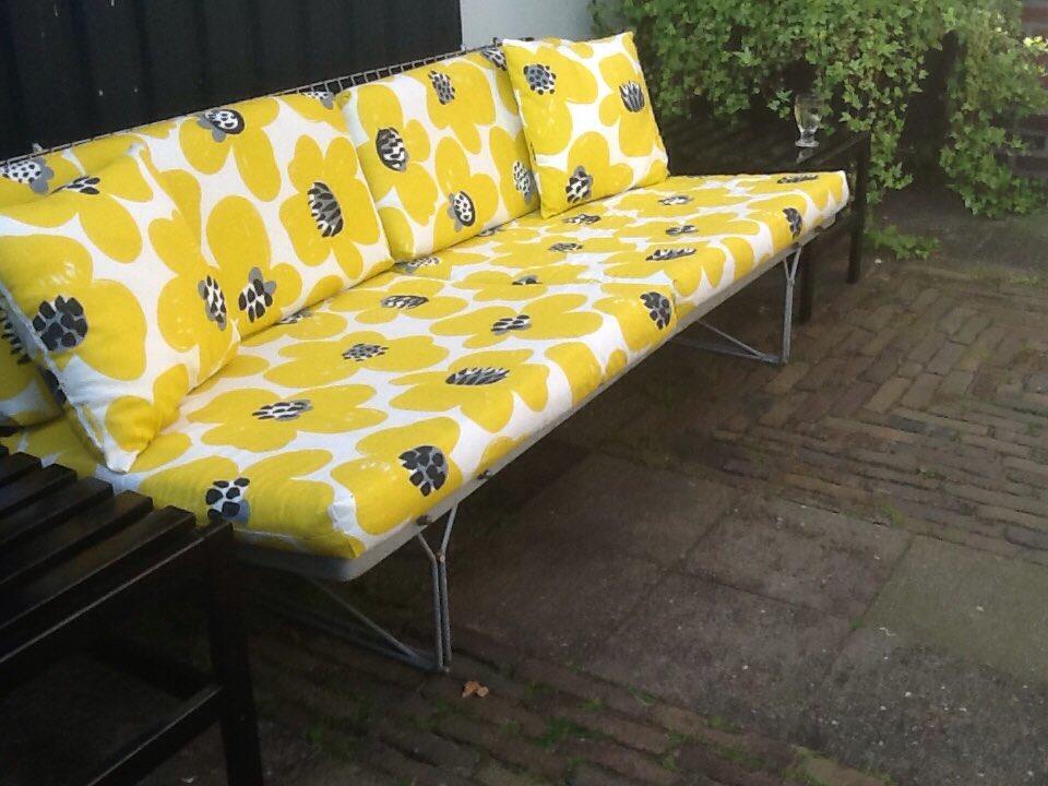 Ikea bank kussens dit zijn fotous van de achterkant zoals je ziet