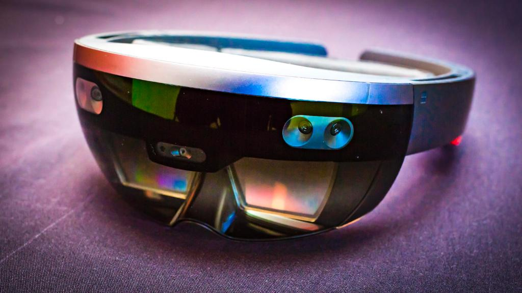 Microsoft's HoloLens just got a bit more convenient