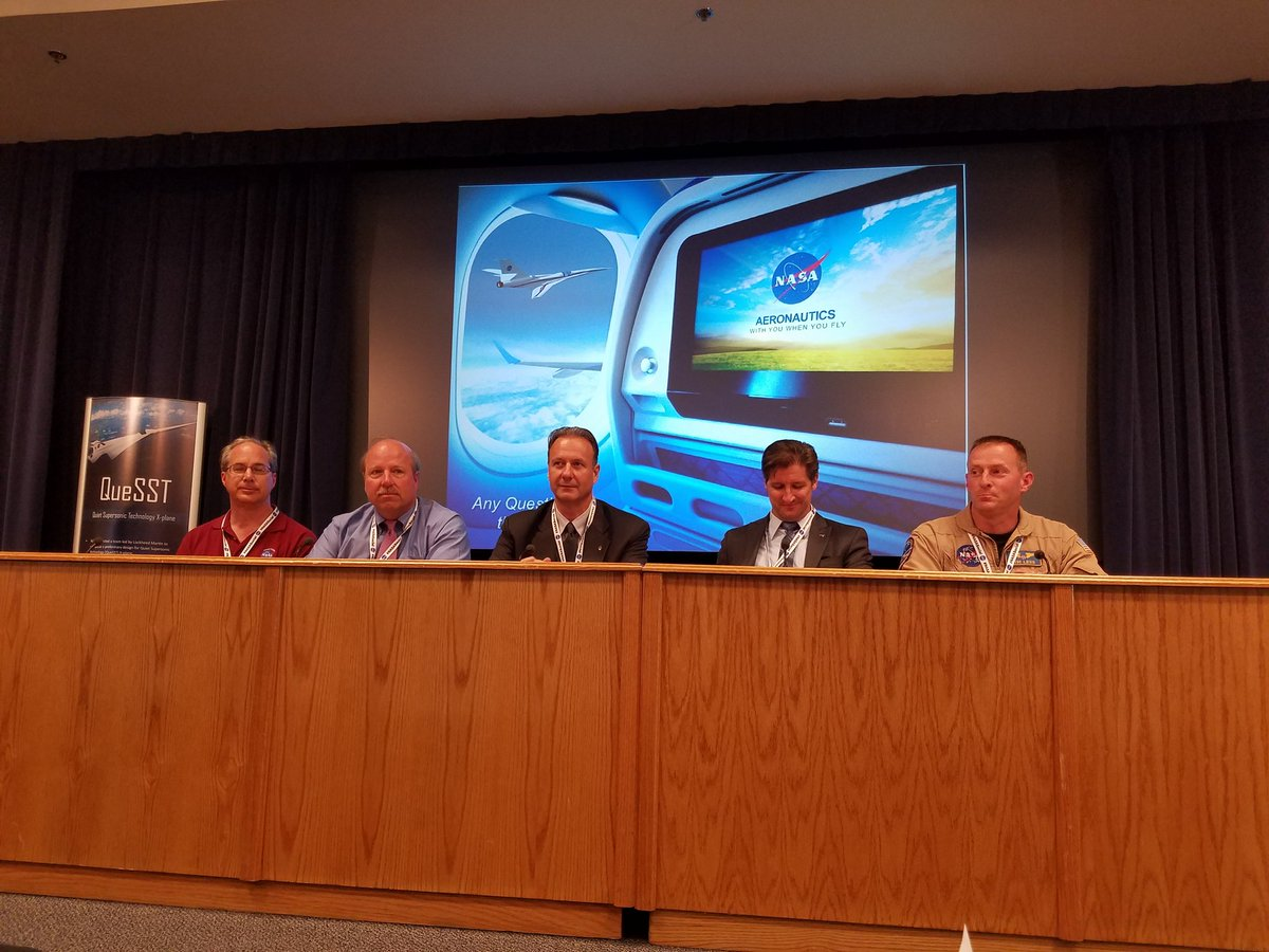 The sonic boom specialist panel is ready to answer questions. #NASASocial #QueSST #FlyNASA https://t.co/c67lJtcRcE