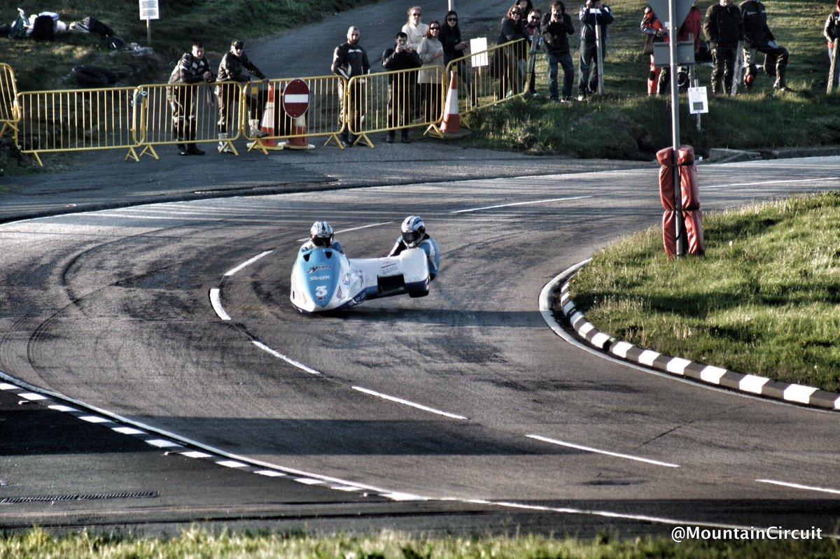 [Road Racing] TT 2016 - Page 6 CjzoCQ5UgAIL2ta