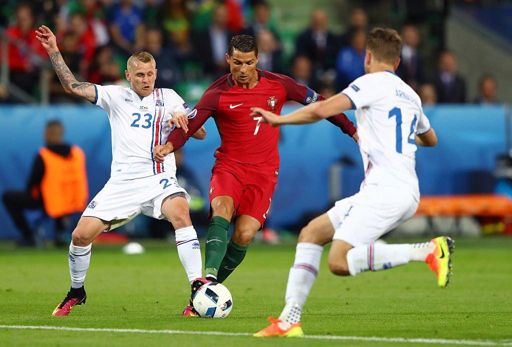 Европско првенство у фудбалу 2016. - Page 2 Ck-YLc7WEAQ2HvR