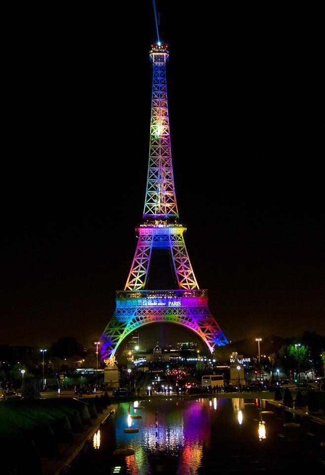 Ce soir, la Tour Eiffel sera illuminée aux couleurs LGBT en hommage aux victimes de la terrible tuerie d'Orlando