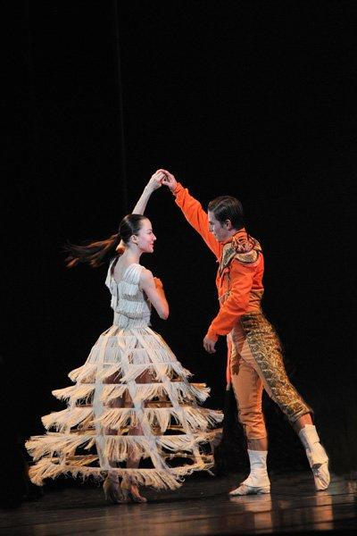 Yvelines tourisme on twitter concours plus qu 39 un jour pour gagner vos places pour le ballet for Yvelines tourisme