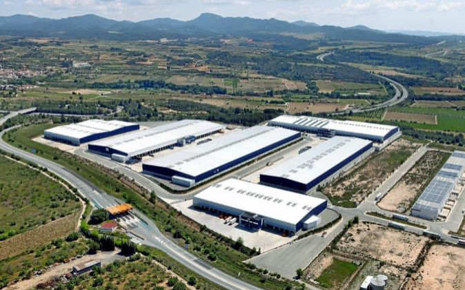 Nintendo abre un centro logístico de 13.000 metros en Tarragona https://t.co/Abck71s3Dc informa @marisaangles https://t.co/PR1idyQKxR