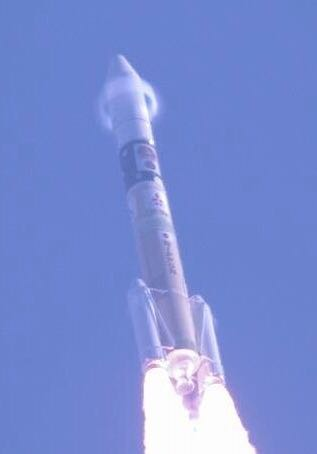 ここらではやぶさ2を打ち上げたロケットの写真など。 帰りの鹿児島空港でテラキン先生にみせたら、「長谷展望公園から撮影して三菱ダイヤが見えるなんておかしいだろう!!?」と言われたのはいい思い出…(、・ω・)、 https://t.co/1RSqjvoV1P